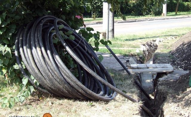 Прокладання силового кабелю